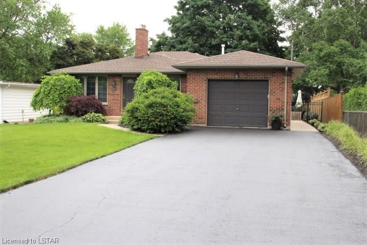 227.5 Woodworth Crescent, St. Thomas Ontario, Canada